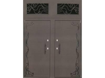 металлические нестандартные двери со вставками